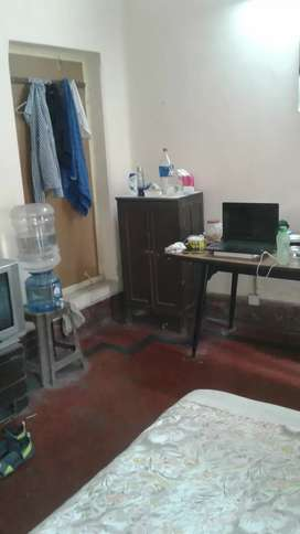 Single rooms fully furnished for males only