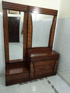 Only 4 months used furniture sell