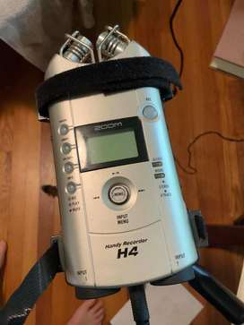 Zoom H4 Handy audio recorder & guitar amp