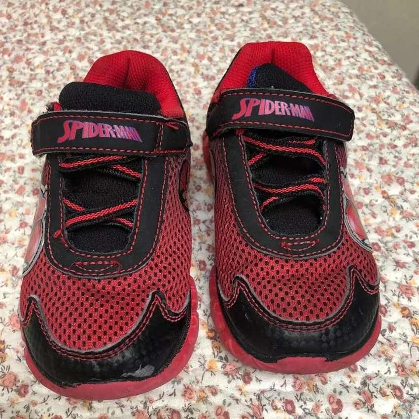 Sepatu anak Spiderman 0