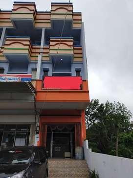 Ruko 4 Lantai di Jalan Utama Airmadidi - Dijual Murah