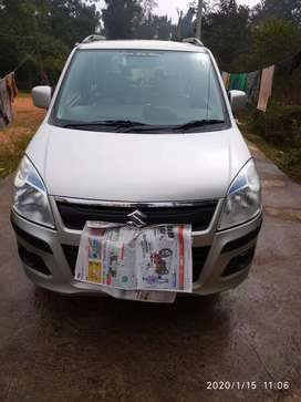Top condition maruti wagon r with camera and display