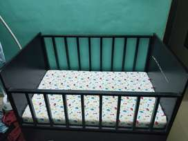 Baby bed with storage