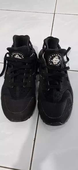 Sepatu nike air huarache uk.39 40