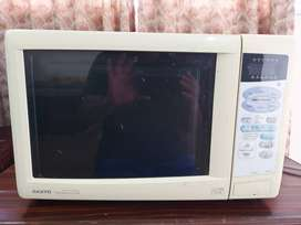 Sanyo 3-in-1 Combination Microwave with Convection Oven & Grill