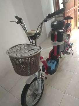 Sepeda listrik merek Metrans