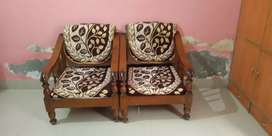 2pairs of fancy chairs
