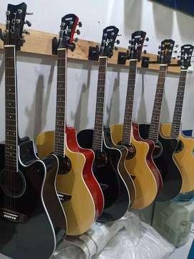 Gitar akustik custom terawang