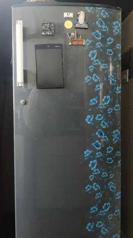 Videocon 310 Litre Top Freezer Refrigerator (VCL325TC)