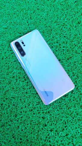 Huawei p30 pro 8gb 256gb warranty over phone box charger bill