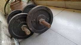 Dumbbell plates of 5 kg(4pcs) with small rod 2 kgs of 2 pcs