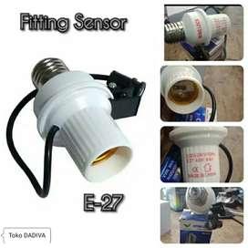 FITTING LAMPU SENSOR CAHAYA UNTUK SEGALA LAMPU YF-212A