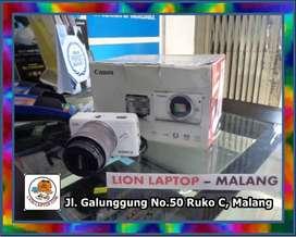 #15 Kamera Mirrorless Canon Eos M10