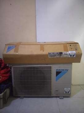 Ac daikin 1/4 pk full set