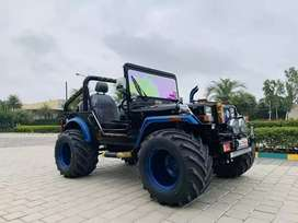 Open Modified Hunter Jeep Off Road Drive