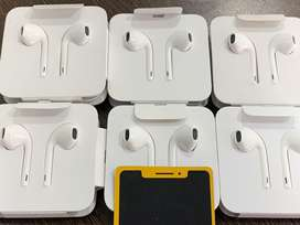 Iphone earphone new with 1year replacement guarantee