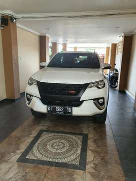 FORTUNER LIKE NEW PUTIH