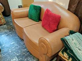 Beautiful and modern family sofas are available at a great price