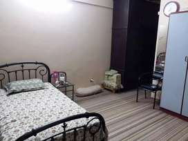 Flat for sall 3 bed DD wall mantan Tariq Road parking generator hy