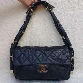 Chanel hitam kulit asli model unik shoulderbag