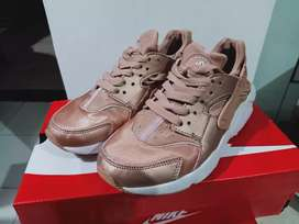 Nike Haurache Rose Gold