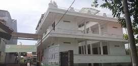 Rumah 33 Kamar 3 lantai dan 4 Ruko 2 lantai Cocok Untuk Kos atau Hotel