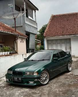 BMW e36 318i tahun 1996