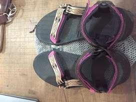 Sepatu sandal eiger