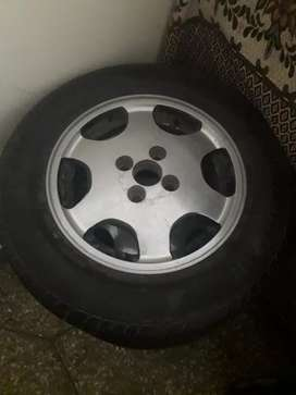 """14"""" universal alloys with new tyres"""