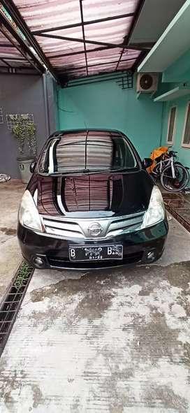 Nissan Grand Livina XV/AT