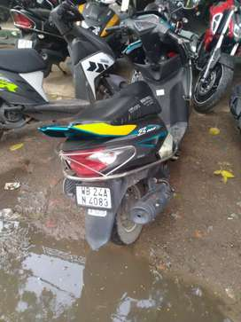 Good condition Yamaha ray zee Scooter with all accessories