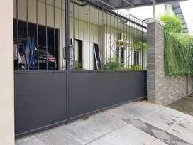 Rumah modern luas harga murah di Kendangsari row jalan lebar.