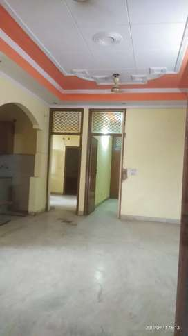 3BHK INDEPENDENT FLOOR AVAILABLE FOR RENT IN SHAKTI KHAND 4