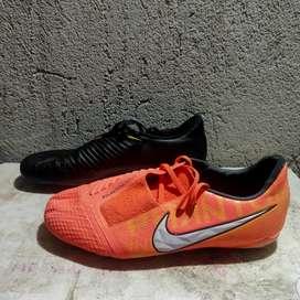 Jual sepaket sepatu bola
