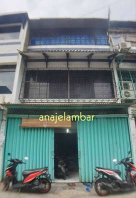 ANA*Rumah uk 5,2x10m lebar jalan 2 mobil di Jelambar