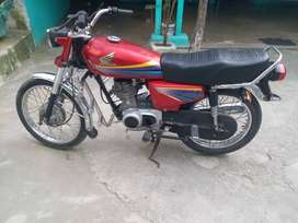 honda 125 12 modle lahore no red coulr full janion condition .