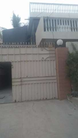 Independent House Gulshan Iqbal Block 3 400 Square Yard for Commercial