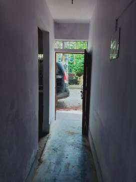 House for rent with gallery,kitchen,bathroom and 2 rooms.