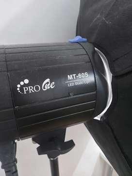 Lampu studio Pro One MT-60S