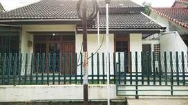 Dijual rumah Komplek Arcamanik Endah, LT 220m LB 150m SIAP HUNI