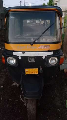 Verygood condition diesel rickshaws