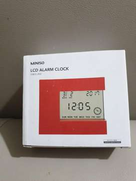MINISO alarm clock with lamp