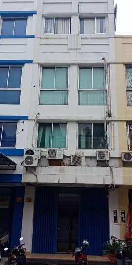 Ruko Cempaka Mas 4 Lantai Hadap Selatan di bawah pasaran