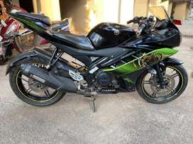 Yamaha r15 v2 in mint condition special edition first owner