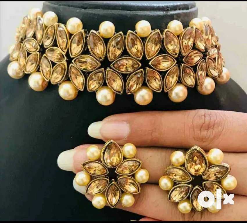 Kundan Choker Necklace with Earrings 0