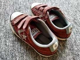 Sepatu anak converse Bahan kulit