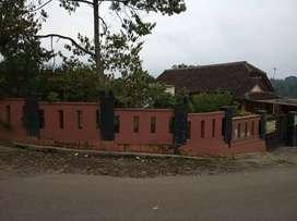 Rumah plus toko di pinggir jalan utama di tanjung sari