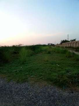 10 marla plot for sale in DERA town on darabn road d I khan
