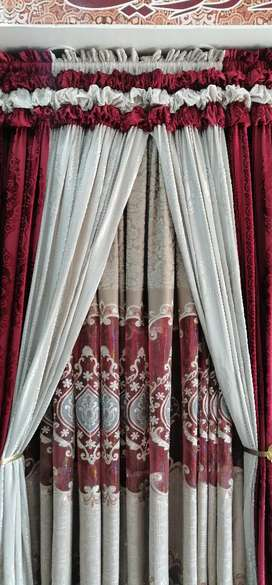 Luxurious highly decorating curtains