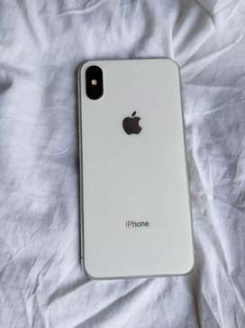 IPhone x 64 GB 10 month old 2 month warranty